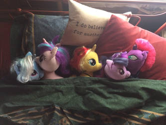 Twilight and reform friends in bed by EJLightning007arts