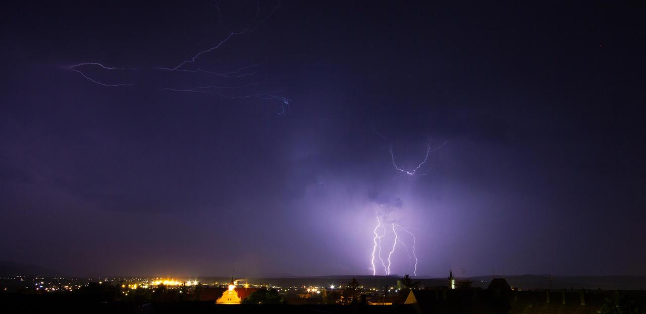 Thunderstorm II by borda