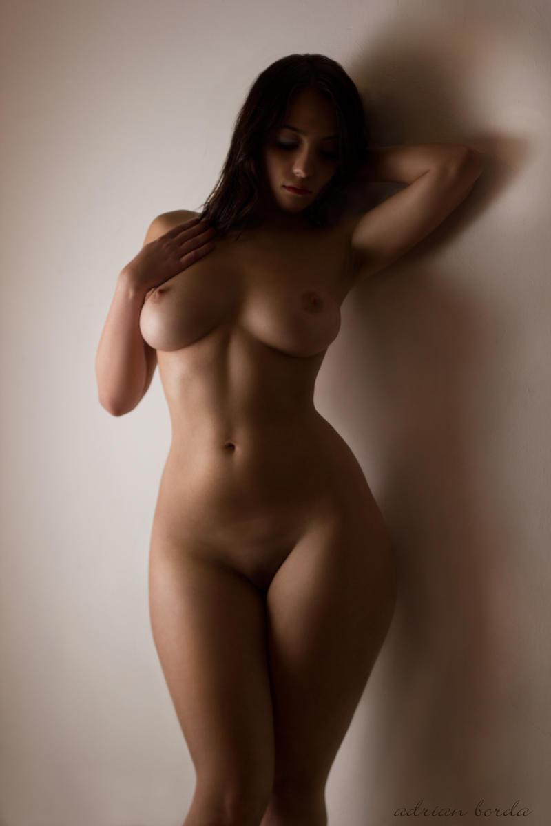 Фото голые девушки с формами