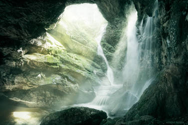 The Light Falls by borda