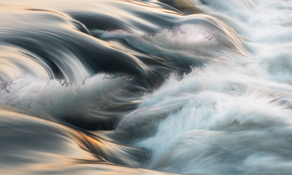 Breaking The Waves III by borda
