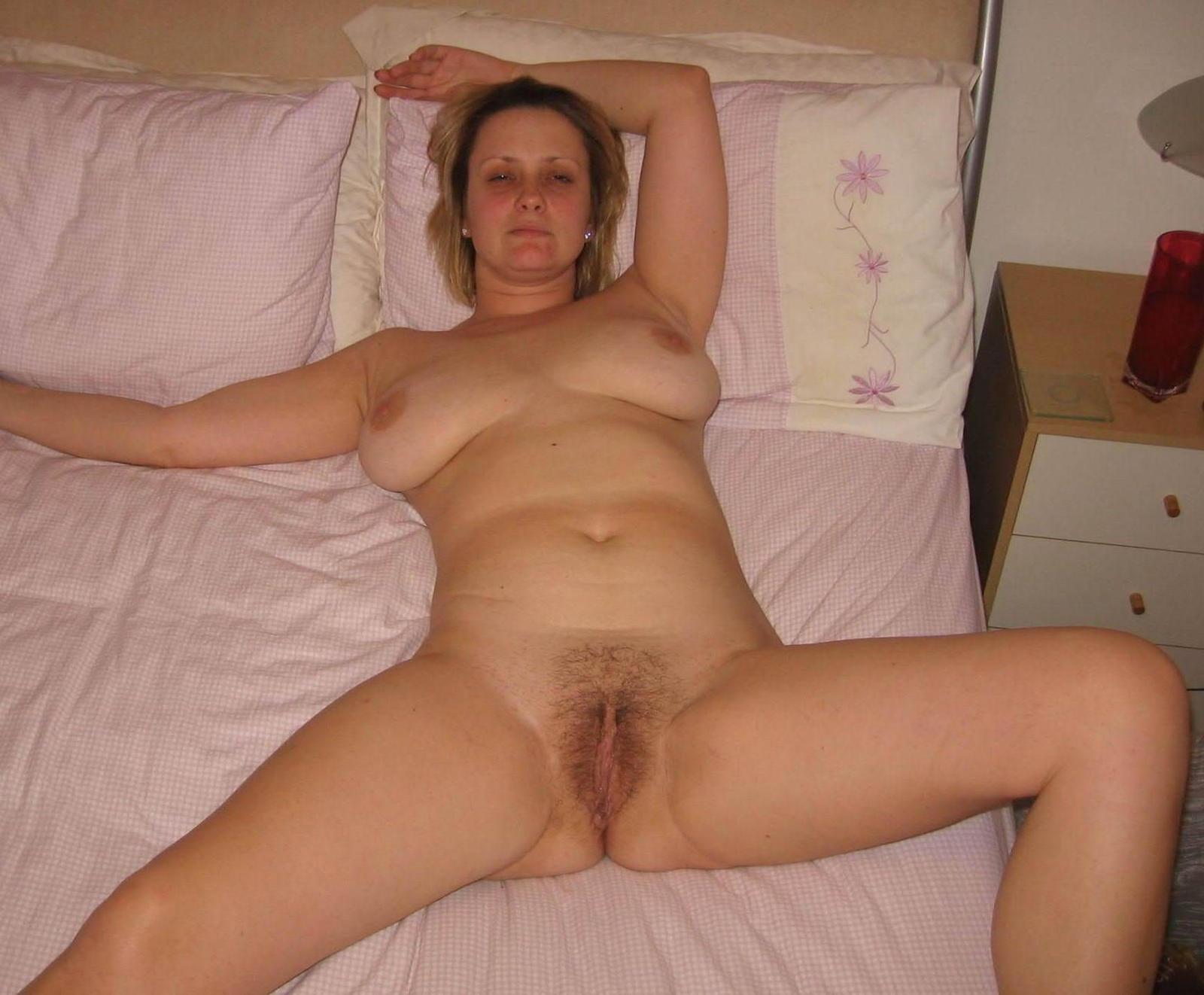 hairy-home-photo-wife