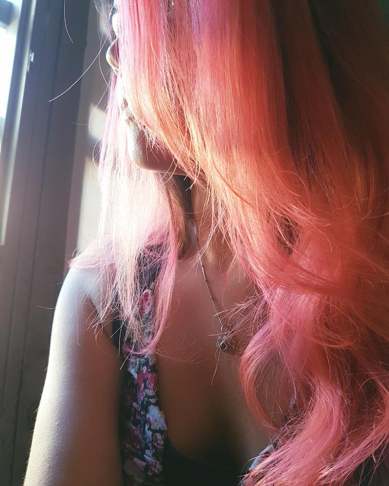 Pink Hair  by AhomeChan