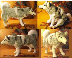 Desmond Siberian Husky Plush Commission by Jarahamee