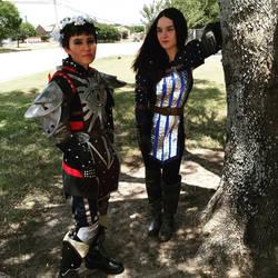 Cassandra Pentaghast and Bethany Hawke by Jarahamee