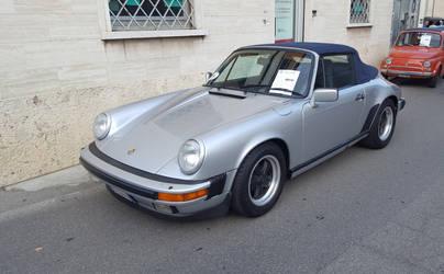 Old Porsche 911 Turbo