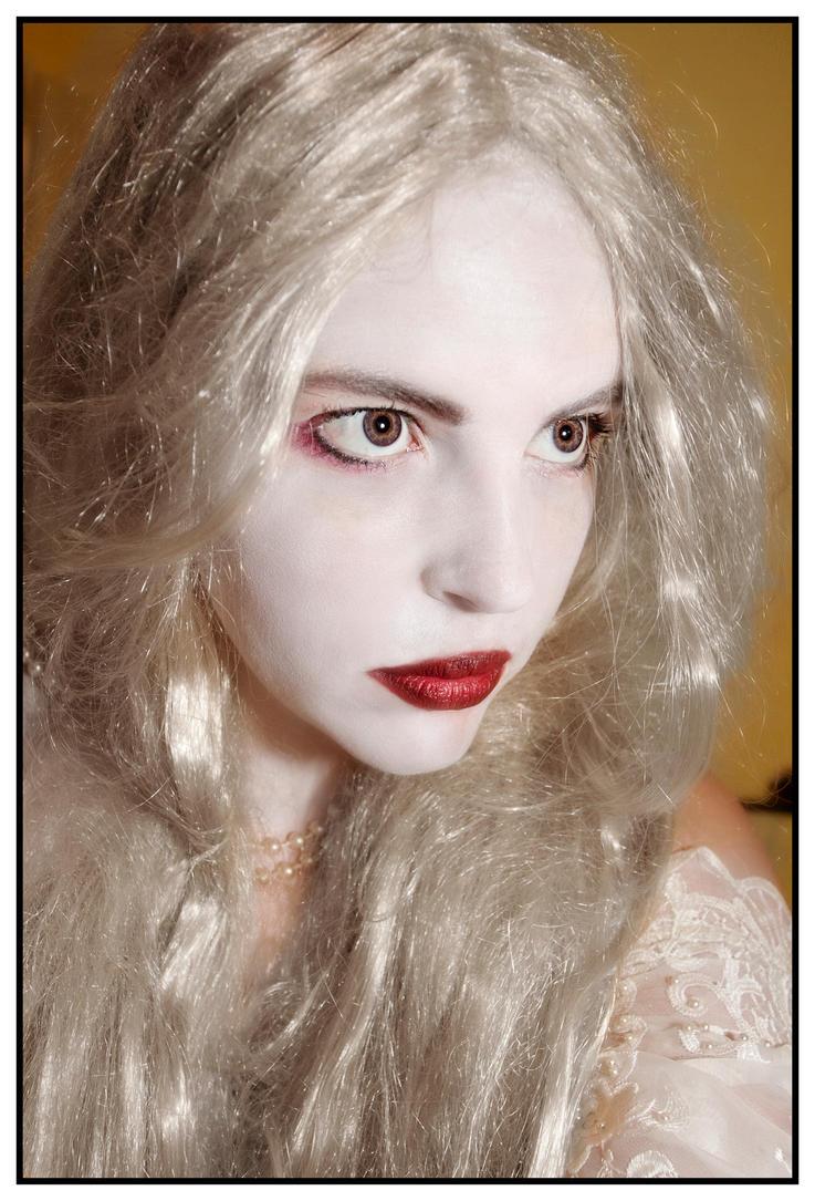 White Queen Portrait by Doubtful-Della