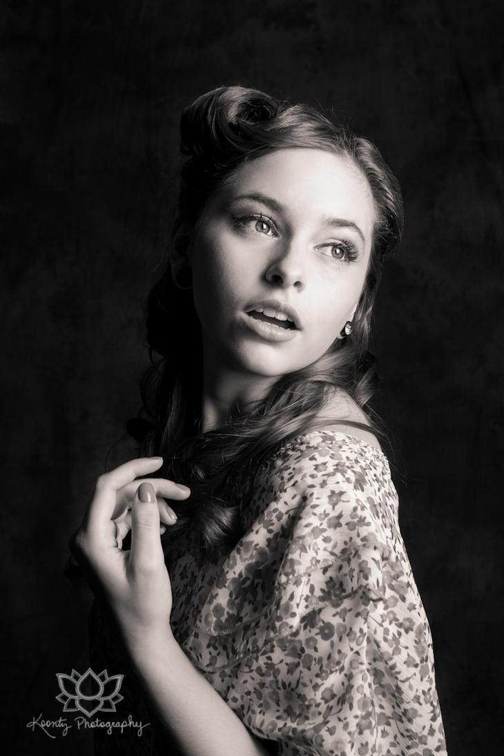 Hollywood Glam by Doubtful-Della