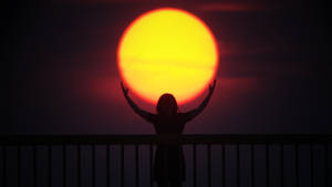 The girl with the sun in her arms