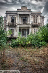 The Salem Mansion v.3 by V-Light