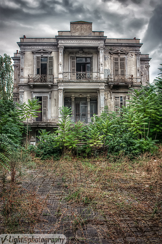 The salem mansion v 3 by v light on deviantart - The beauty of an abandoned house the art behind the crisis ...