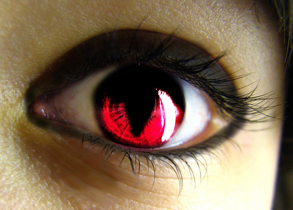 Vampire Anime Eyes vampire eye by ...
