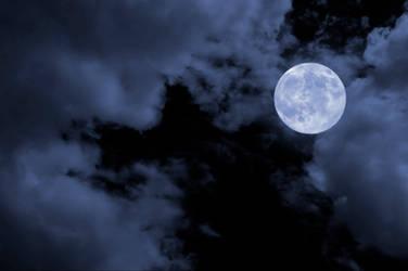 Blue moon by StamatisGR