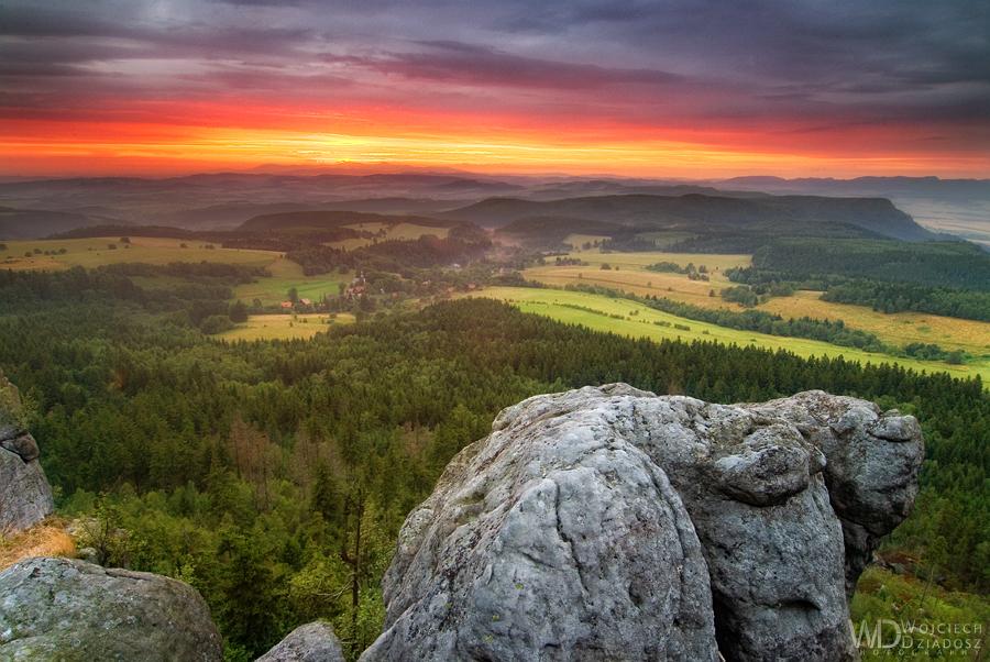 Fiery hills by WojciechDziadosz