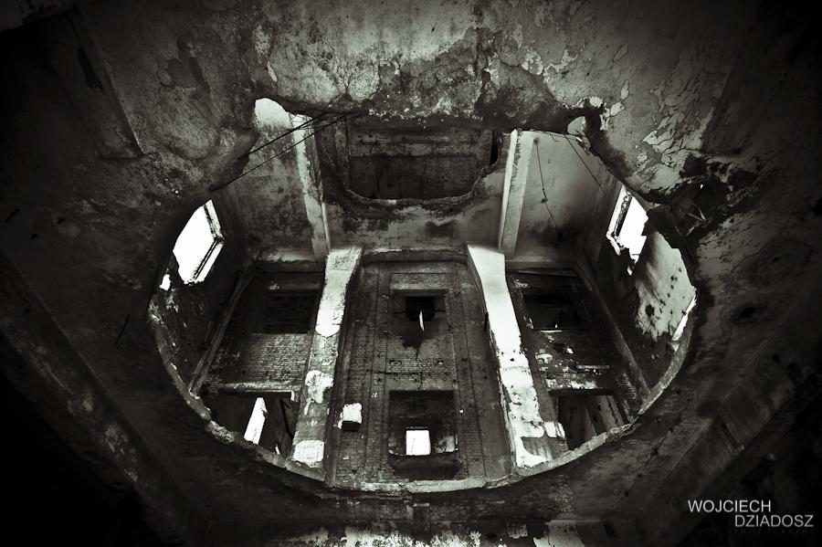 The hole by WojciechDziadosz