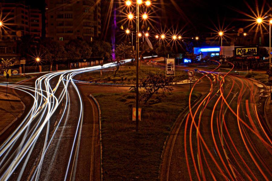 Roundabout traffic by isischneider