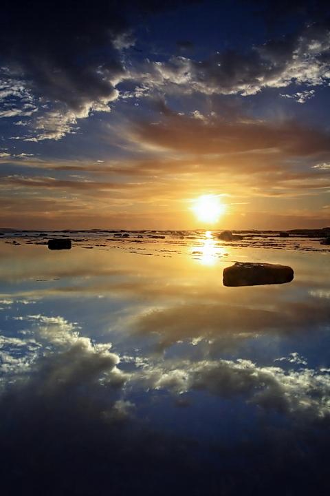 Sun Reflection by timbodon