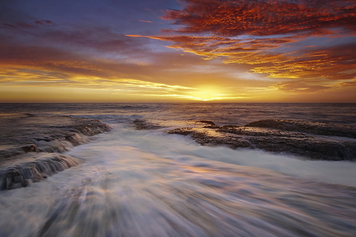 Bilgola Sunrise by timbodon