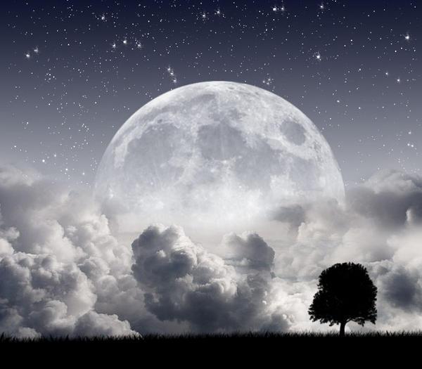 Moon by Djsanka