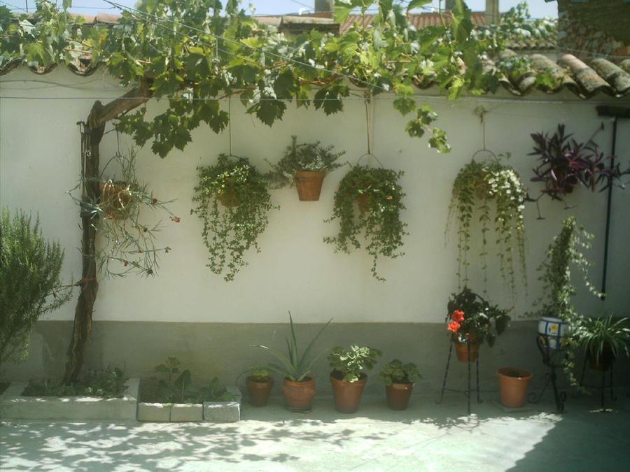 Un patio andaluz by laurykachan on deviantart - Un patio andaluz ...