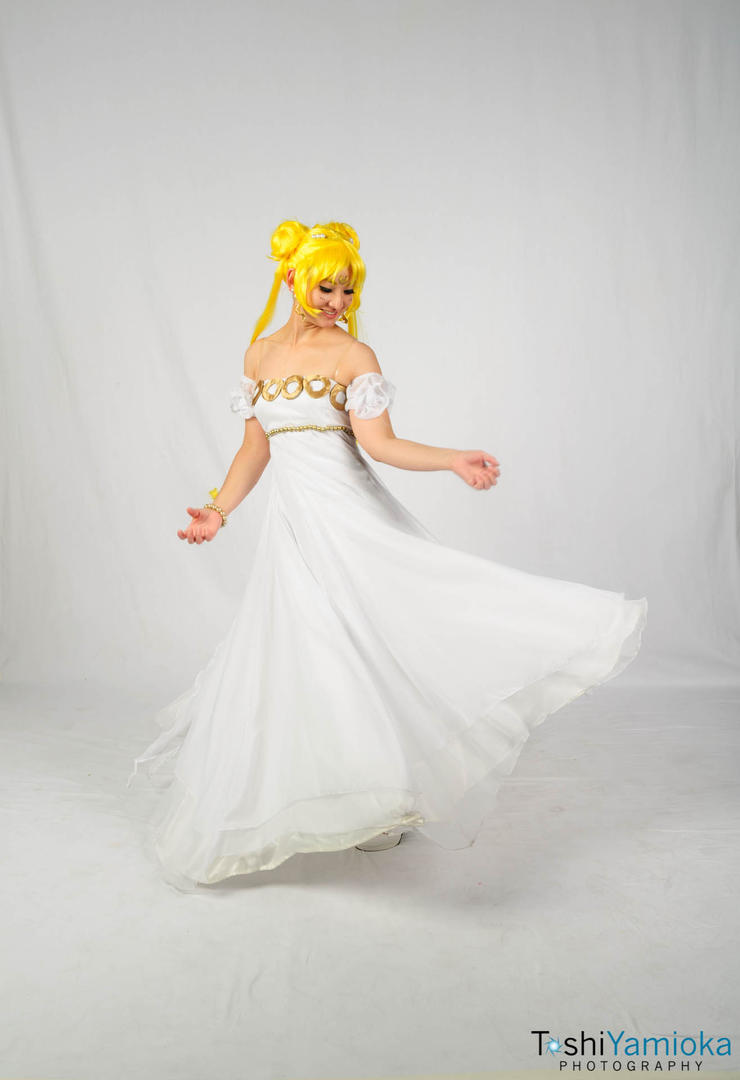 Sailor Moon: Dancing Princess Serenity by CosplayKoneko on DeviantArt