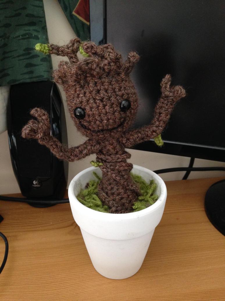 Amigurumi Baby Groot by TombRaiderKuchen