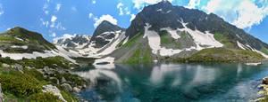 Mountain lake by Laerian