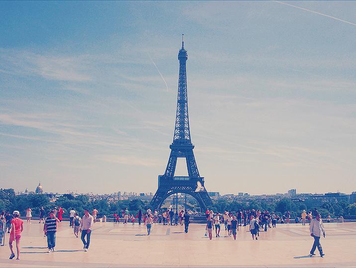 Paris 06790