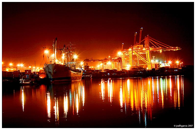 North Harbor Night Shot by joelhgarcia