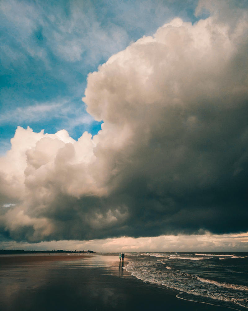 The approaching storm by SnapShotDataBase