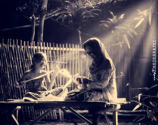 Helping Grandma Making Ketupat by msendy
