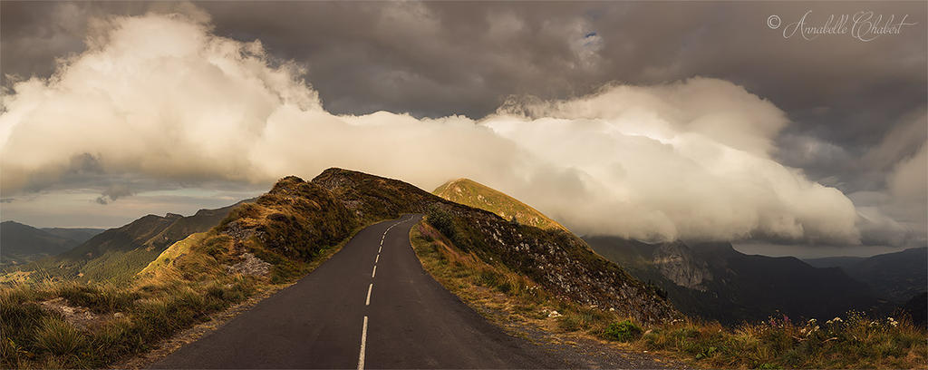 On the road by Annabelle-Chabert