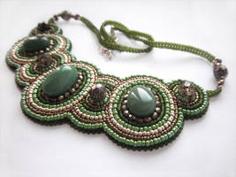 'Par Aventura' bead embroidered necklace
