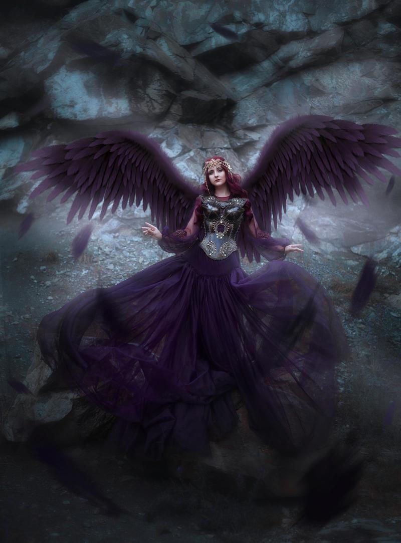 Dark Beauty - Mayalou