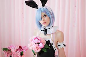 MetalcookieCosplay RE:Zero Bunny Rem Cosplay