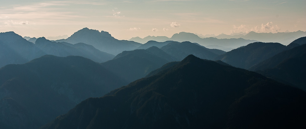 Mountains at Dusk by MiyaraSohsai