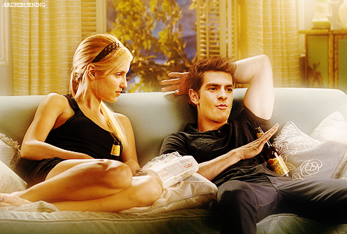 http://orig08.deviantart.net/7e95/f/2012/008/6/6/dianna_agron_and_andrew_garfield_by_archiburning-d4lrft0.png