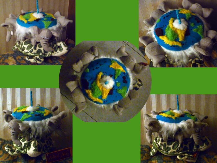 Discworld Plushie by SoniaCarreras