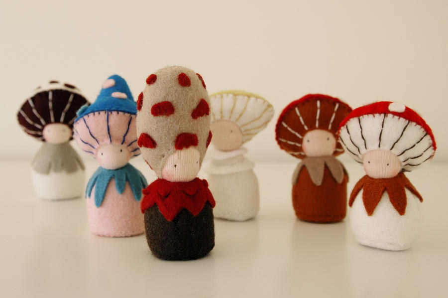 The Shroomper dolls by Shroompers