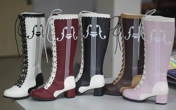 Bodyline Lolita Violin Boots - my winning project by Silmeven