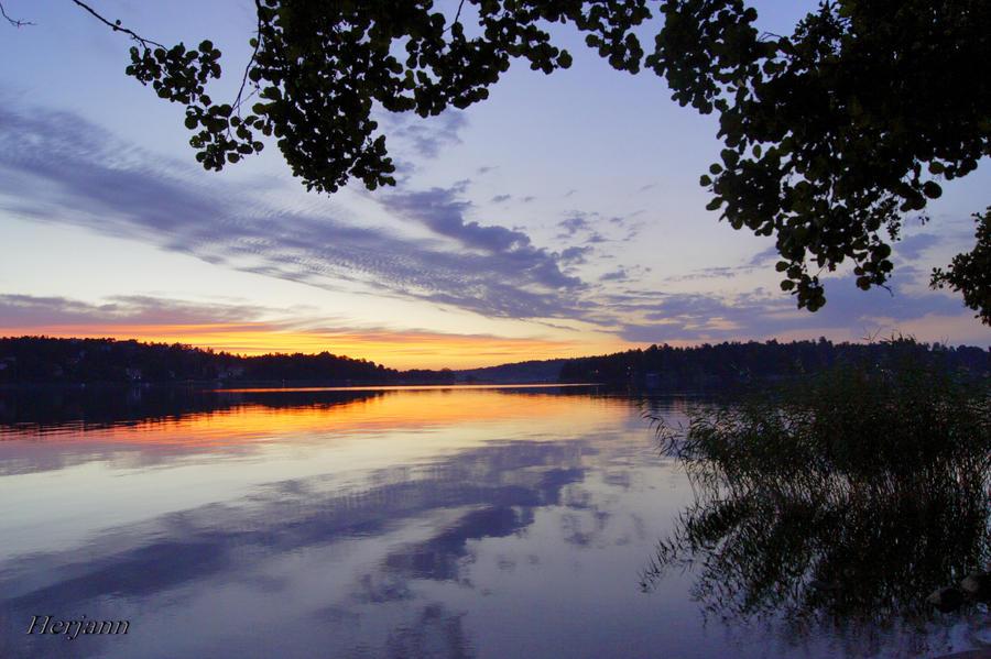 Dawn by herjansauga