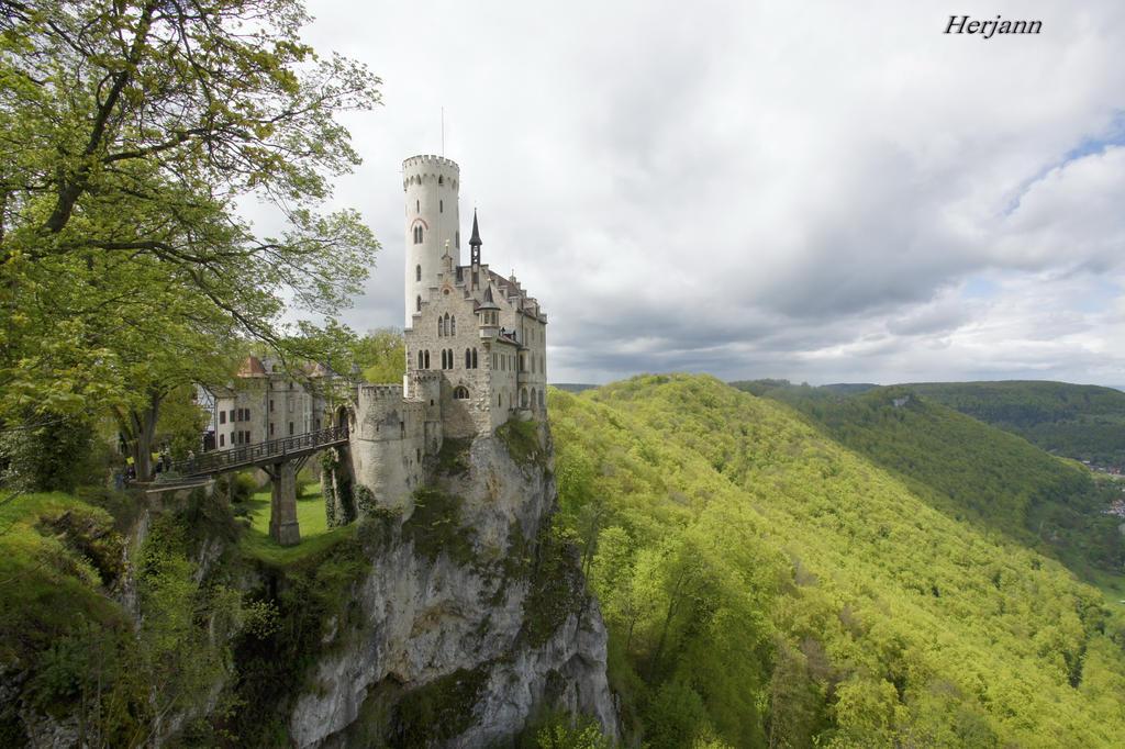 A Fairy-Tale Castle by herjansauga