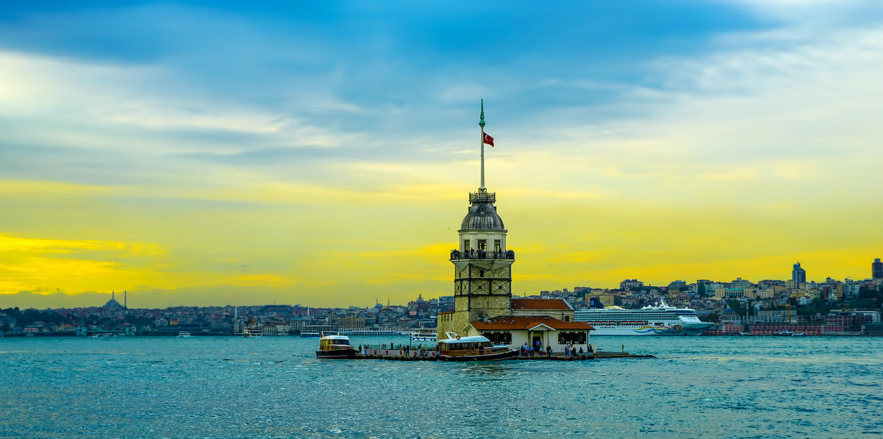 Maiden Tower by khrmnens