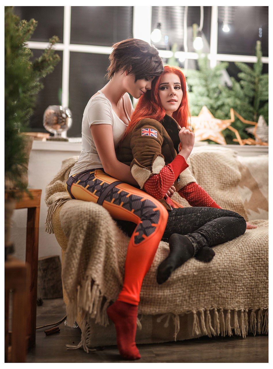 Overwatch Cosplay Tracer - Merry Christmas! by fenixfatalist on ...