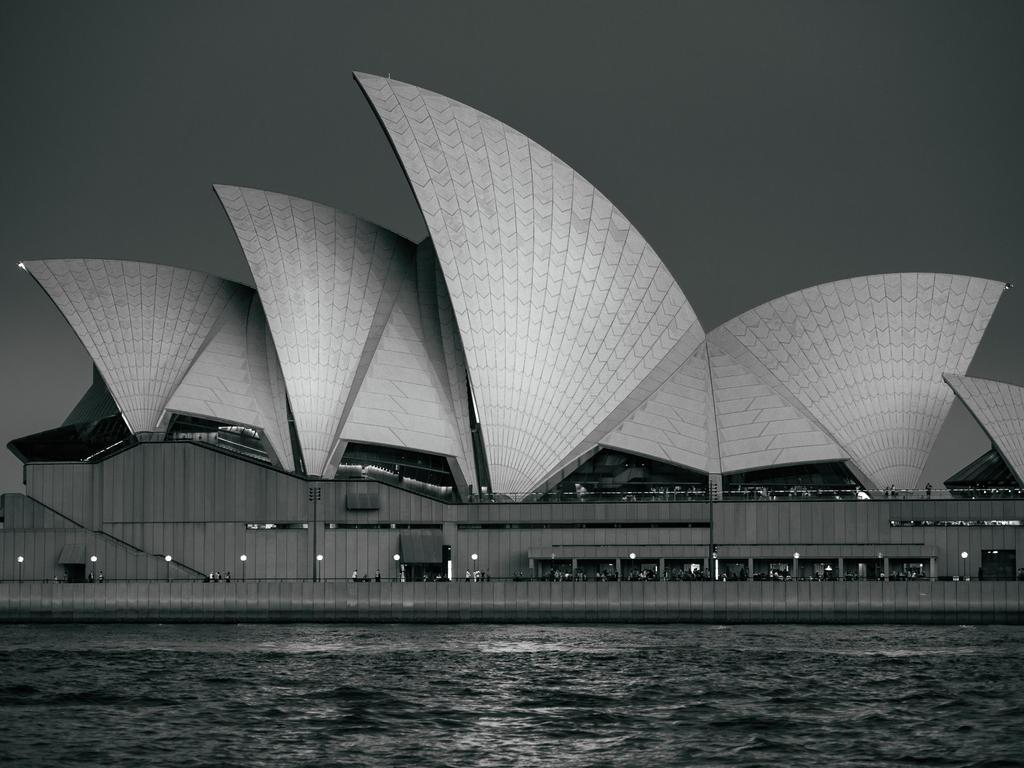 Sydney Opera House - BW by FrenchieSmalls