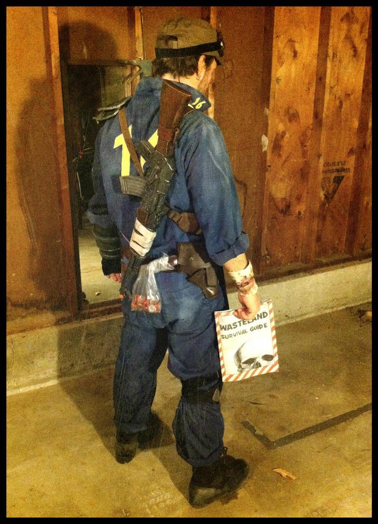 Similiar Fallout Vault Suit Keywords