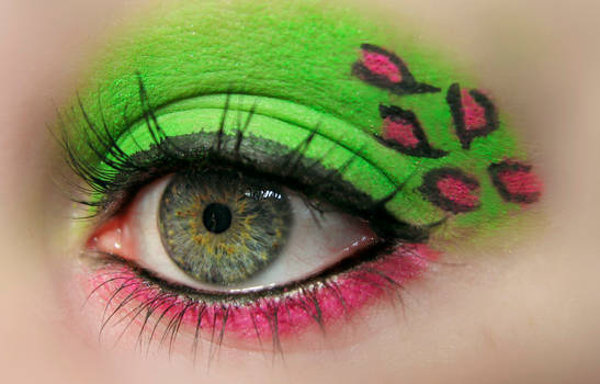 Green and pink leopard Makeup