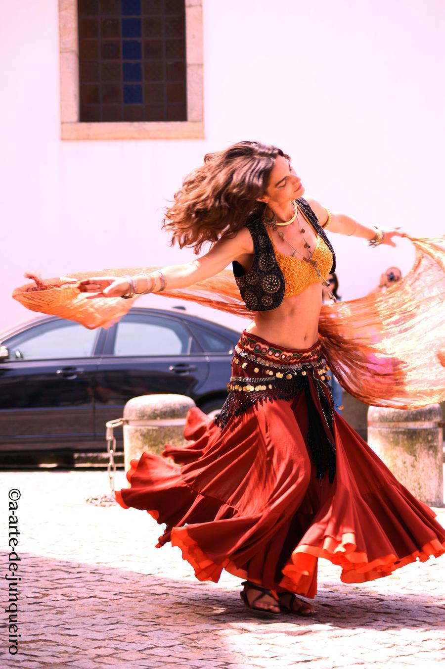Dancer II by Arte-de-Junqueiro