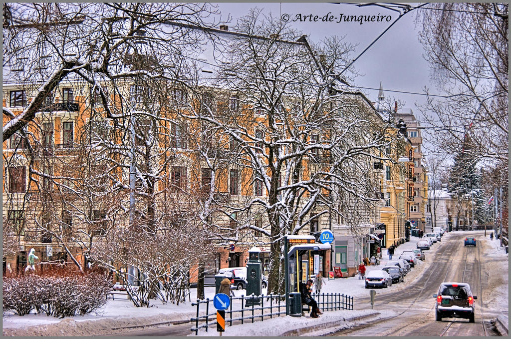 Waiting for the tram - in the cold by Arte-de-Junqueiro