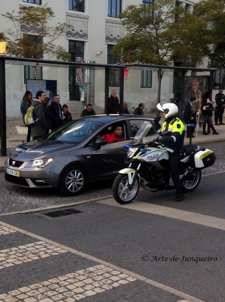 Parking Problem by Arte-de-Junqueiro